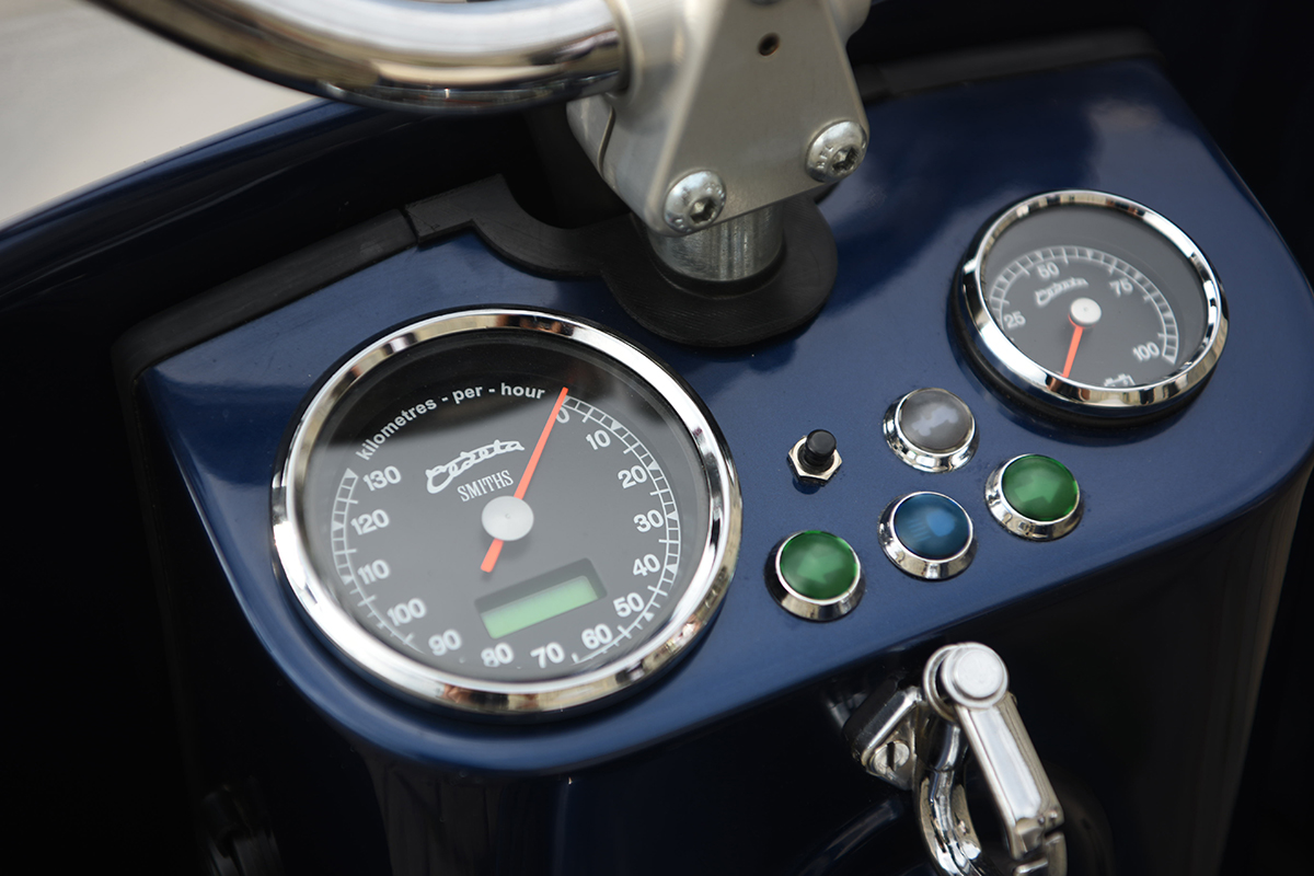 Electric Čezeta Scooter Features SMITHS Gauges