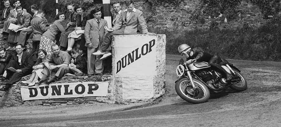 SMITHS Speedometer Charts Motorcycle Speed at Isle of Man TT